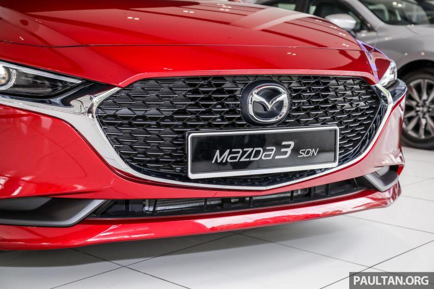 Mazda 3 2019 tiba di bilik pameran Malaysia – 1.5L Sedan dan 2.0L hatchback High Plus, bermula RM140k Image #982223