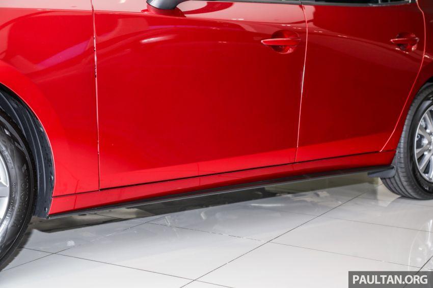 Mazda 3 2019 tiba di bilik pameran Malaysia – 1.5L Sedan dan 2.0L hatchback High Plus, bermula RM140k Image #982229