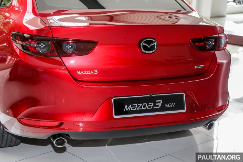 Mazda 3 2019 tiba di bilik pameran Malaysia – 1.5L Sedan dan 2.0L hatchback High Plus, bermula RM140k Image #982230