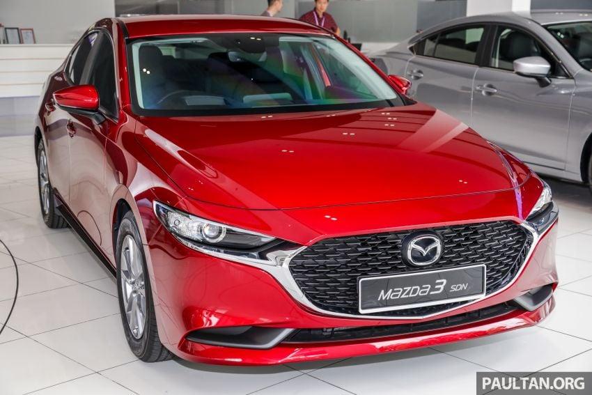 Mazda 3 2019 tiba di bilik pameran Malaysia – 1.5L Sedan dan 2.0L hatchback High Plus, bermula RM140k Image #982212