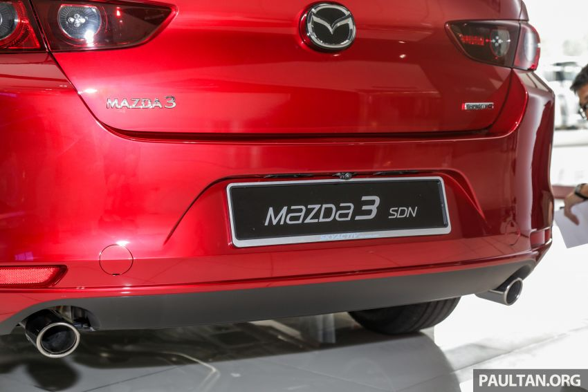 Mazda 3 2019 tiba di bilik pameran Malaysia – 1.5L Sedan dan 2.0L hatchback High Plus, bermula RM140k Image #982234