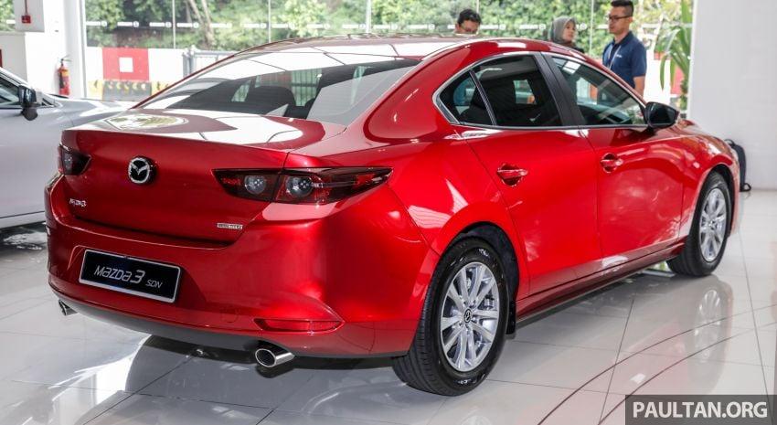 Mazda 3 2019 tiba di bilik pameran Malaysia – 1.5L Sedan dan 2.0L hatchback High Plus, bermula RM140k Image #982214