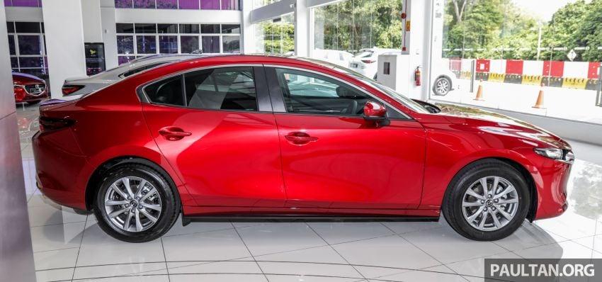 Mazda 3 2019 tiba di bilik pameran Malaysia – 1.5L Sedan dan 2.0L hatchback High Plus, bermula RM140k Image #982216