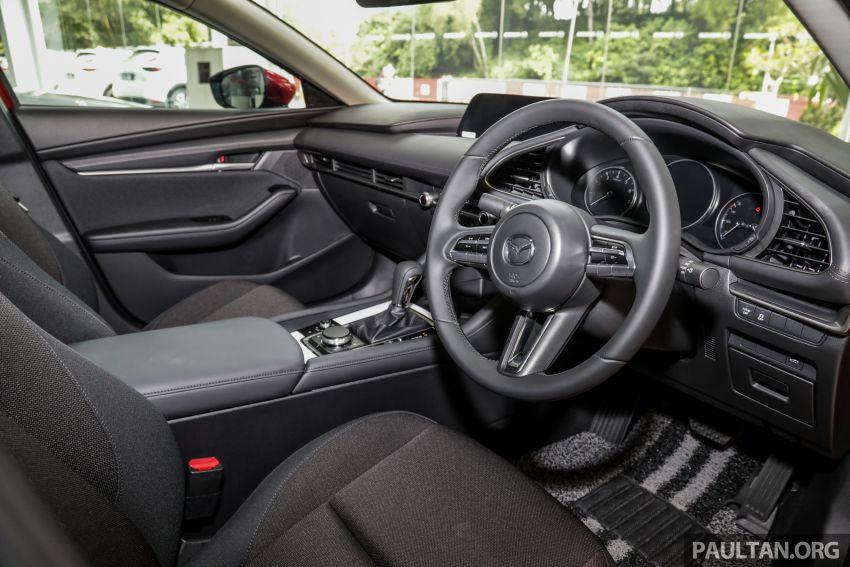 Mazda 3 2019 tiba di bilik pameran Malaysia – 1.5L Sedan dan 2.0L hatchback High Plus, bermula RM140k Image #982240