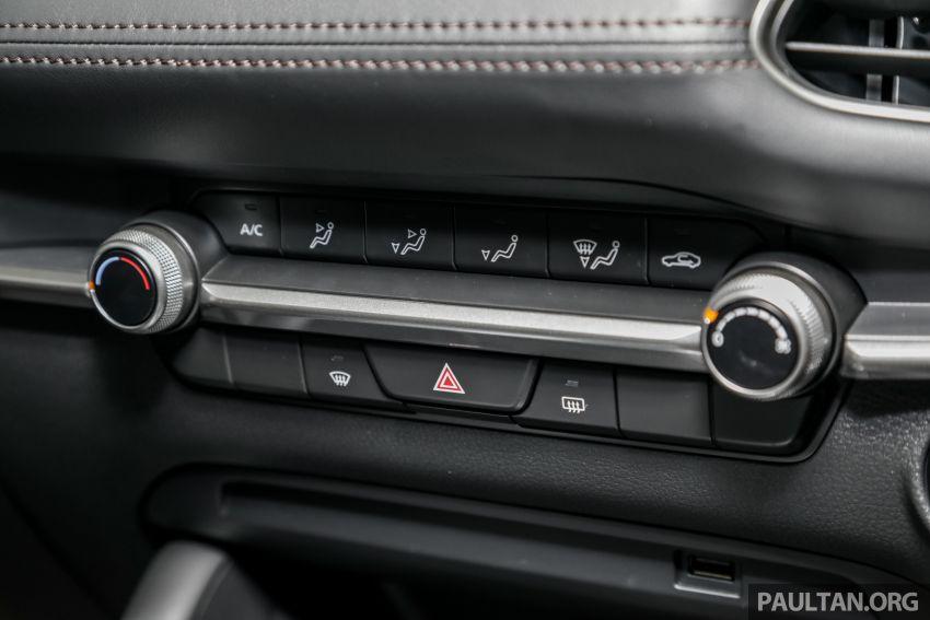 Mazda 3 2019 tiba di bilik pameran Malaysia – 1.5L Sedan dan 2.0L hatchback High Plus, bermula RM140k Image #982245