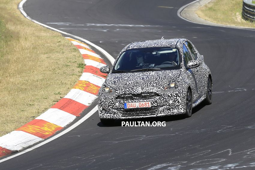 SPYSHOTS: Next-gen Toyota Yaris for Europe spotted Image #986391