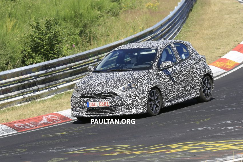 SPYSHOTS: Next-gen Toyota Yaris for Europe spotted Image #986392