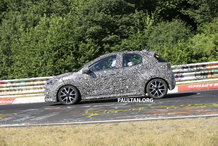 SPYSHOTS: Next-gen Toyota Yaris for Europe spotted Image #986395