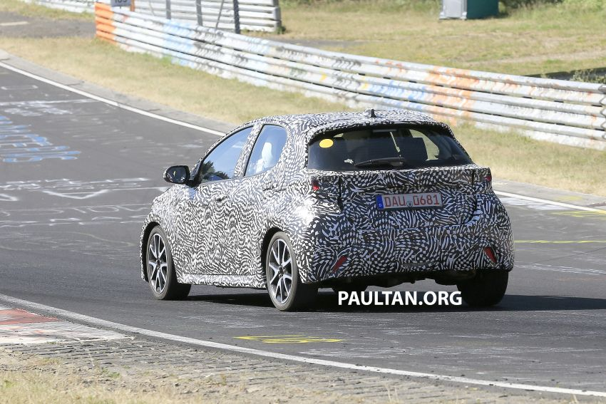SPYSHOTS: Next-gen Toyota Yaris for Europe spotted Image #986398