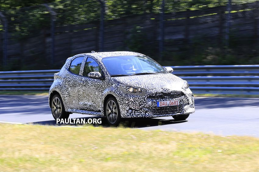 SPYSHOTS: Next-gen Toyota Yaris for Europe spotted Image #986402