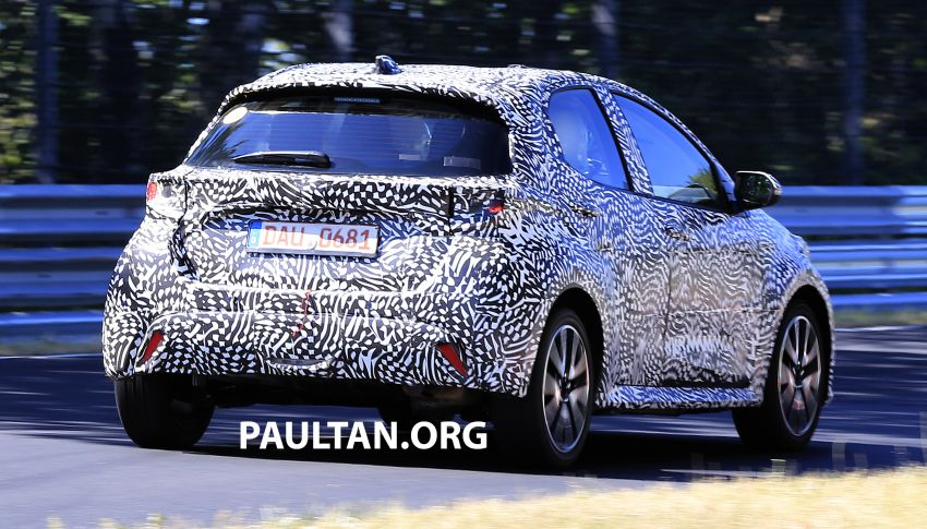 SPYSHOTS: Next-gen Toyota Yaris for Europe spotted Image #986406