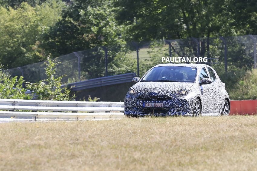 SPYSHOTS: Next-gen Toyota Yaris for Europe spotted Image #986407