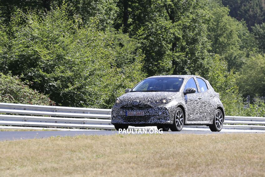 SPYSHOTS: Next-gen Toyota Yaris for Europe spotted Image #986408