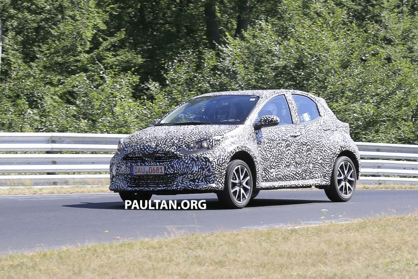 SPYSHOTS: Next-gen Toyota Yaris for Europe spotted Image #986409