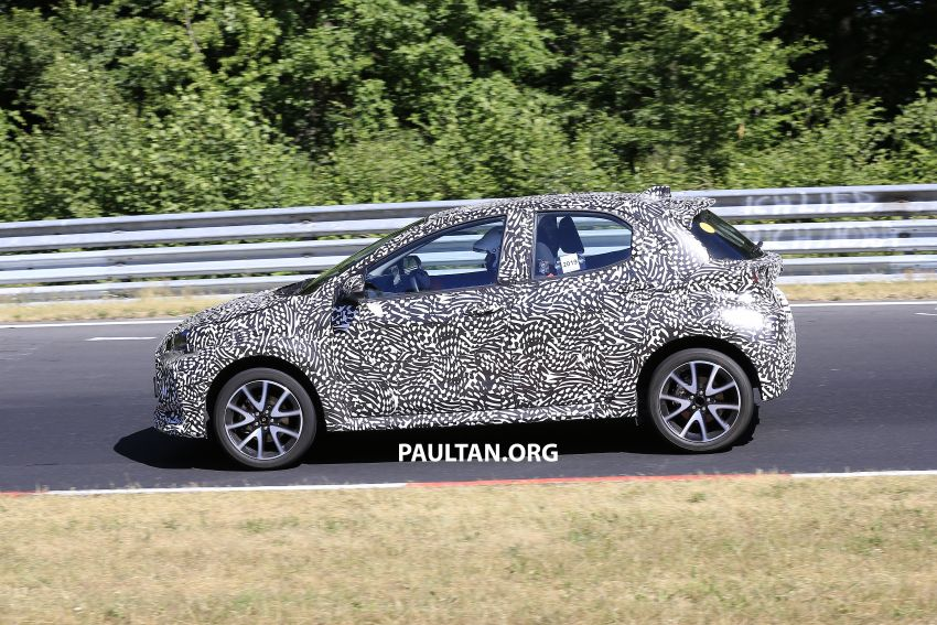 SPYSHOTS: Next-gen Toyota Yaris for Europe spotted Image #986411