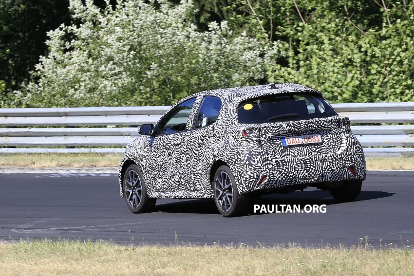 SPYSHOTS: Next-gen Toyota Yaris for Europe spotted Image #986421