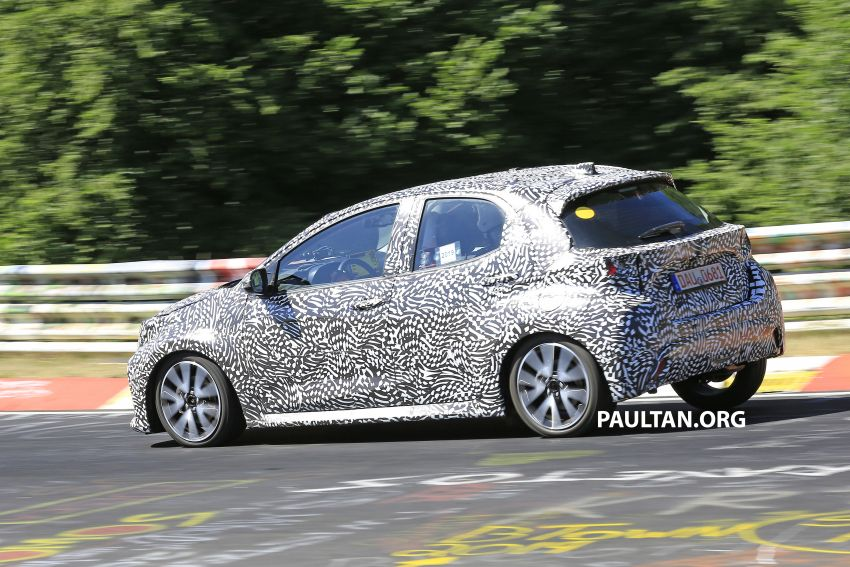 SPYSHOTS: Next-gen Toyota Yaris for Europe spotted Image #986425