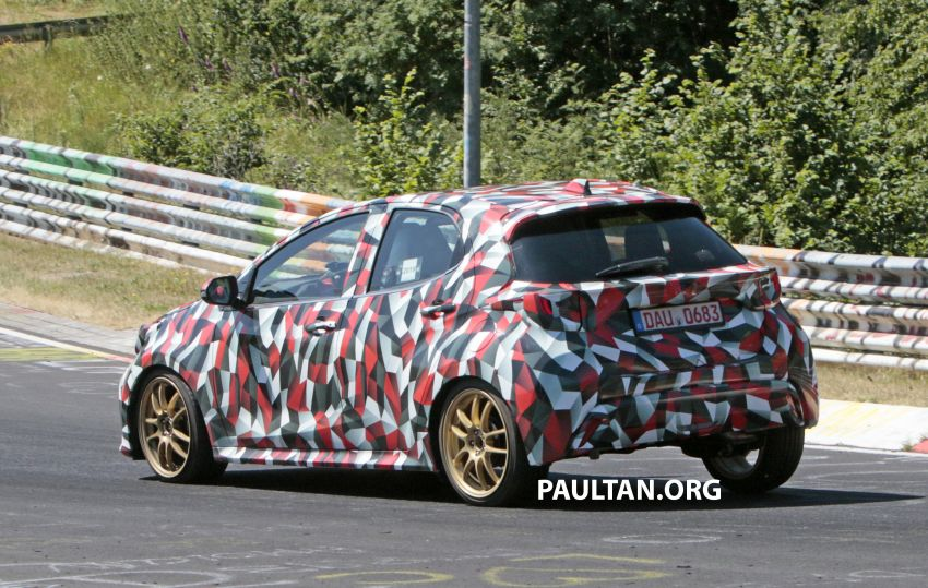 SPYSHOTS: Next-gen Toyota Yaris for Europe spotted Image #986439