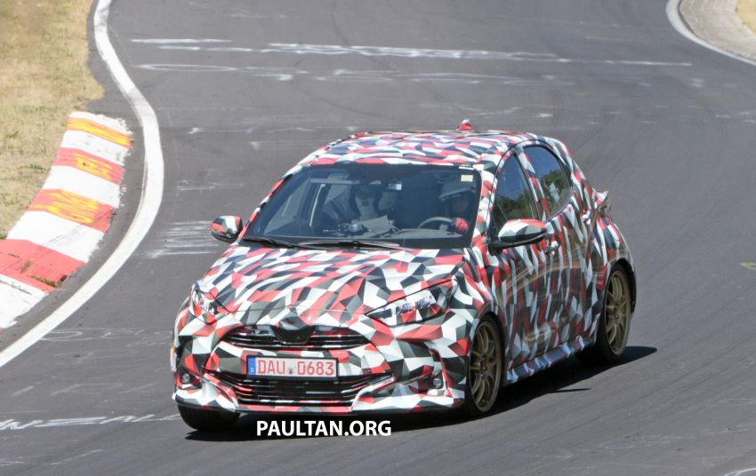 SPYSHOTS: Next-gen Toyota Yaris for Europe spotted Image #986431