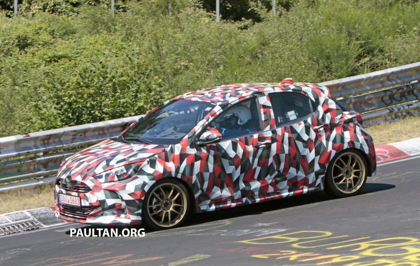 SPYSHOTS: Next-gen Toyota Yaris for Europe spotted Image #986434