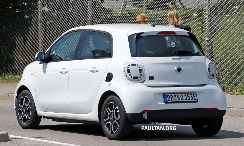 SPYSHOTS: smart EQ forfour facelift spotted testing Image #990977