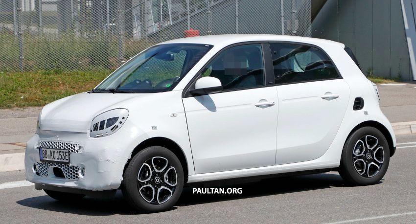 SPYSHOTS: smart EQ forfour facelift spotted testing Image #990970