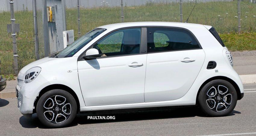 SPYSHOTS: smart EQ forfour facelift spotted testing Image #990972
