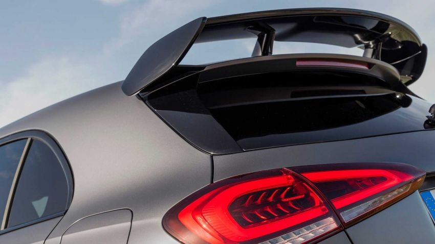 Mercedes-AMG A45  S muncul di Goodwood – 2.0L turbo, 421 PS/500 Nm, 0-100 km/j 3.9 saat, boleh drift! Image #981697