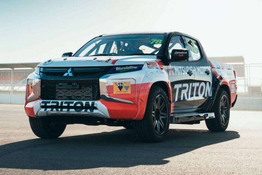 Mitsubishi Triton SuperUtes – trak perlumbaan litar Image #982835