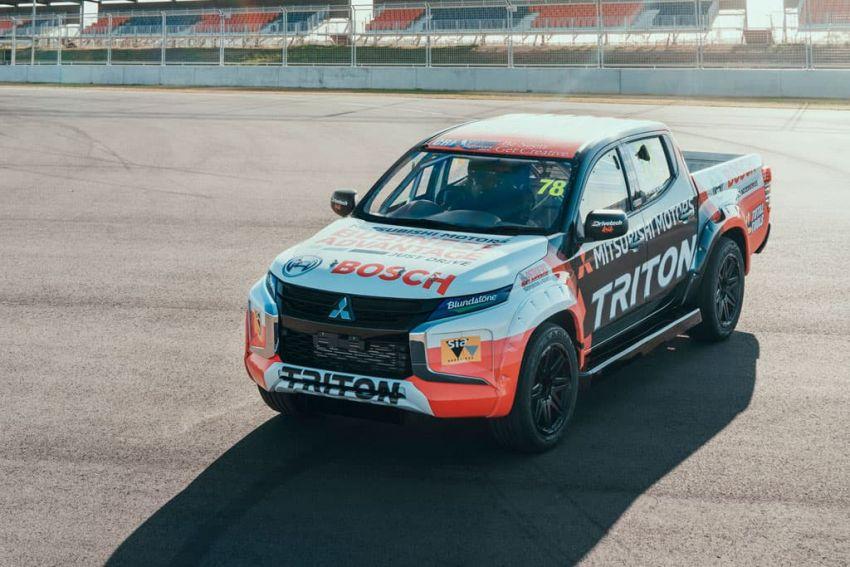 Mitsubishi Triton SuperUtes – trak perlumbaan litar Image #982836