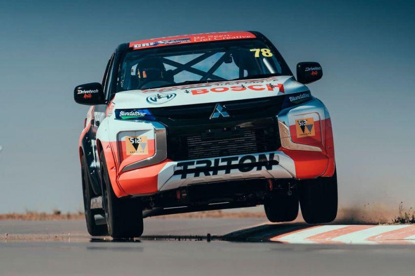 Mitsubishi Triton SuperUtes – trak perlumbaan litar Image #982837
