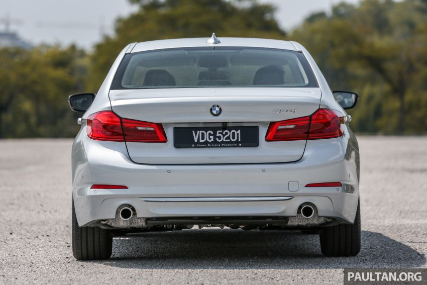 FIRST DRIVE: G30 BMW 520i Luxury and 530e M Sport Image #1003667