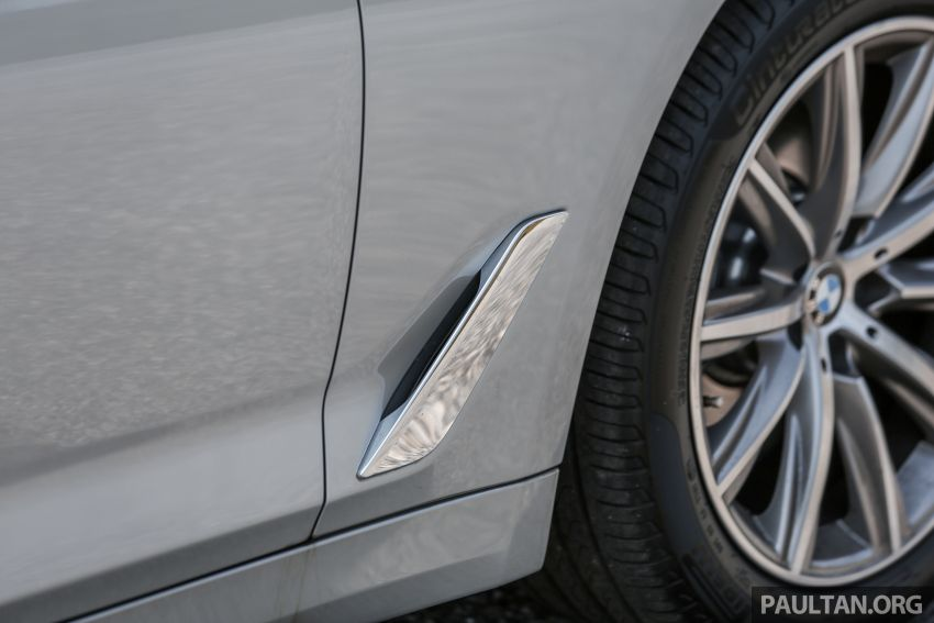 FIRST DRIVE: G30 BMW 520i Luxury and 530e M Sport Image #1003679