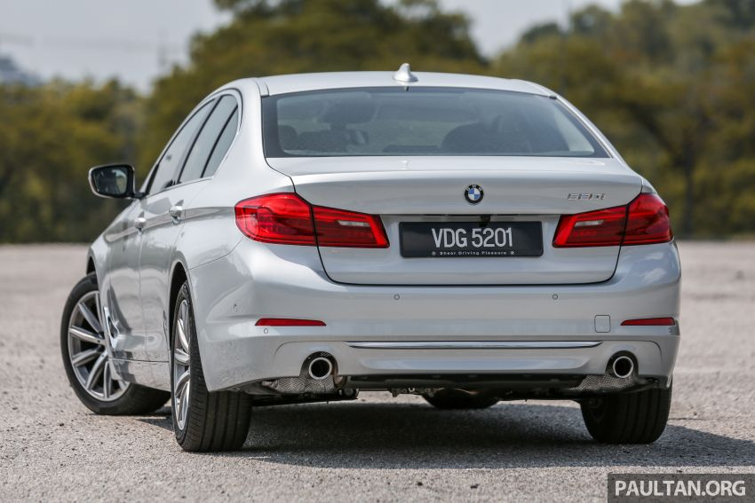 FIRST DRIVE: G30 BMW 520i Luxury and 530e M Sport Image #1003660