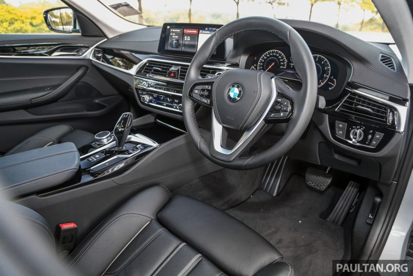FIRST DRIVE: G30 BMW 520i Luxury and 530e M Sport Image #1003694
