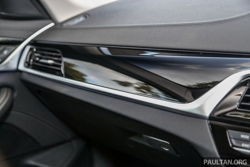 FIRST DRIVE: G30 BMW 520i Luxury and 530e M Sport Image #1003711