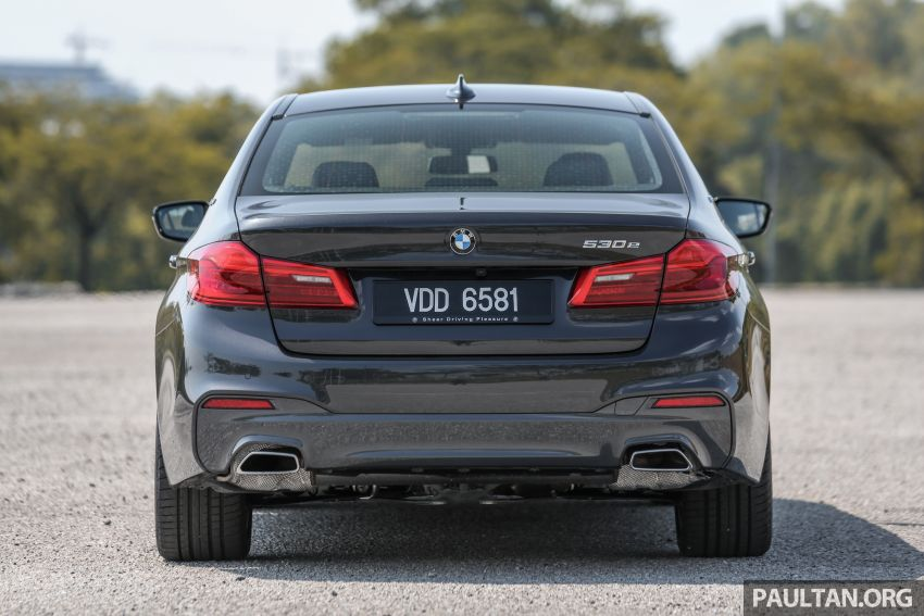 FIRST DRIVE: G30 BMW 520i Luxury and 530e M Sport Image #1003562
