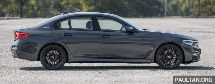 FIRST DRIVE: G30 BMW 520i Luxury and 530e M Sport Image #1003563