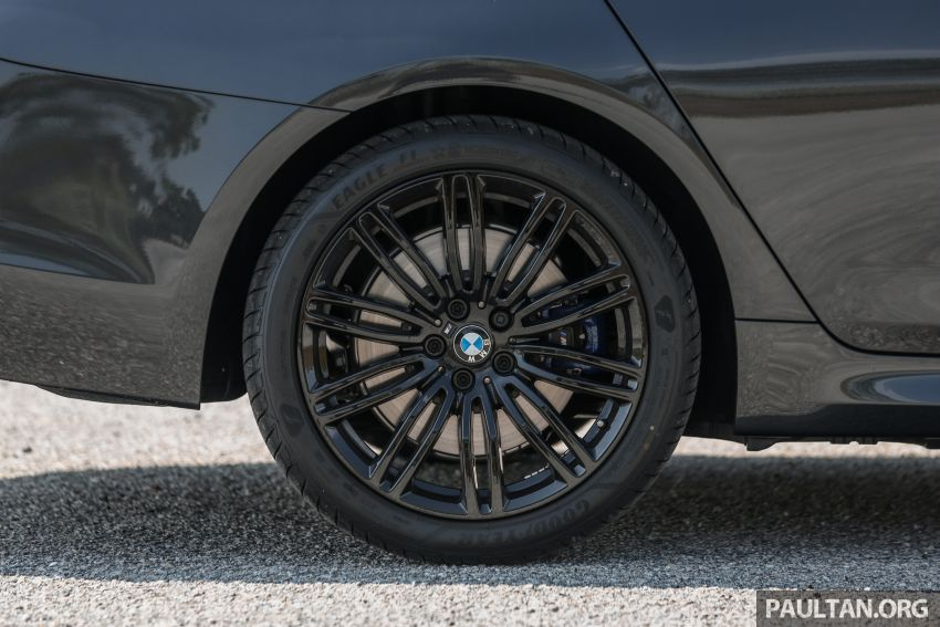FIRST DRIVE: G30 BMW 520i Luxury and 530e M Sport Image #1003582