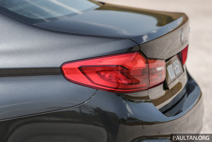 FIRST DRIVE: G30 BMW 520i Luxury and 530e M Sport Image #1003586