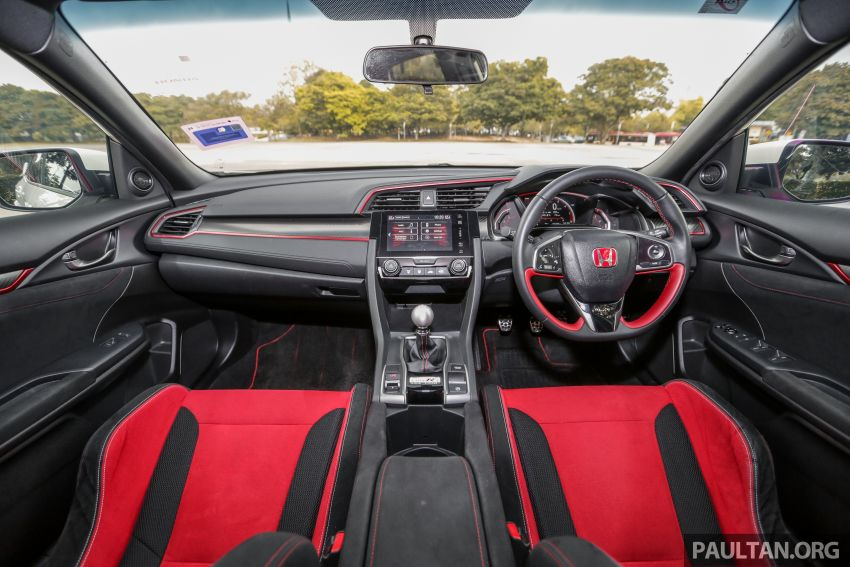 Driven Web Series 2019: new Renault Megane RS 280 Cup vs Honda Civic Type R vs Volkswagen Golf R Image #1009629