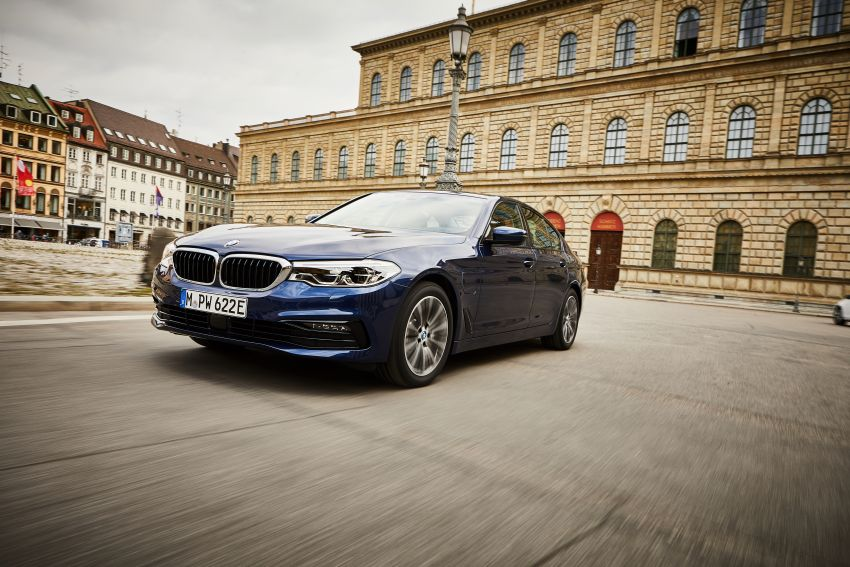 G30 BMW 530e updated with new battery – 57 km electric range, 1.5 litres per 100 km, xDrive available Image #997701