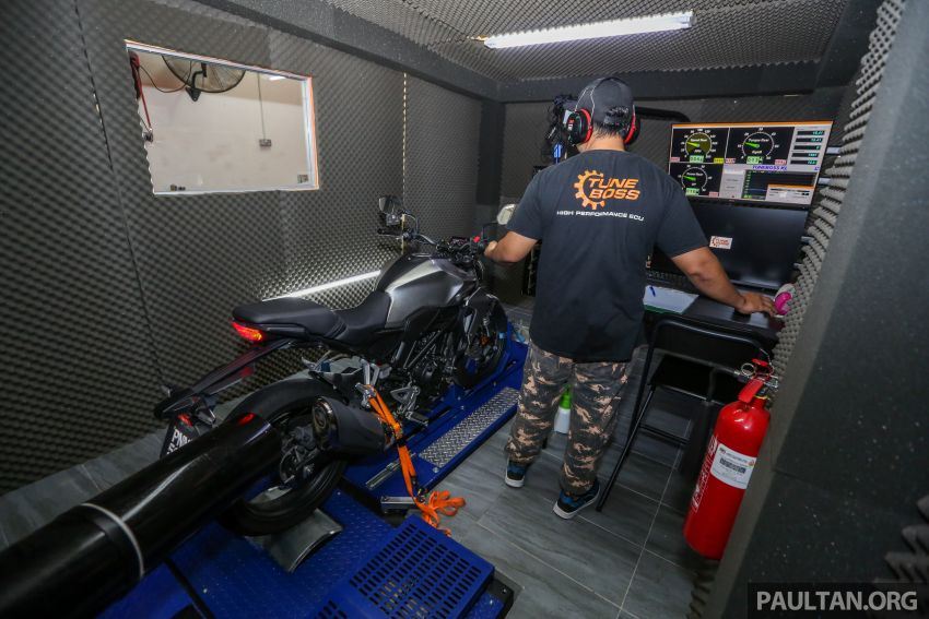 VIDEO: RON100 versus RON95 in Malaysia – can Petron Blaze100 fuel provide more hp and torque? Image #1009354