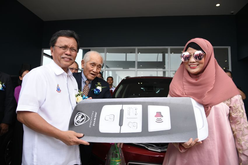 Proton opens first flagship 4S centre, in Kota Kinabalu Image #1007558