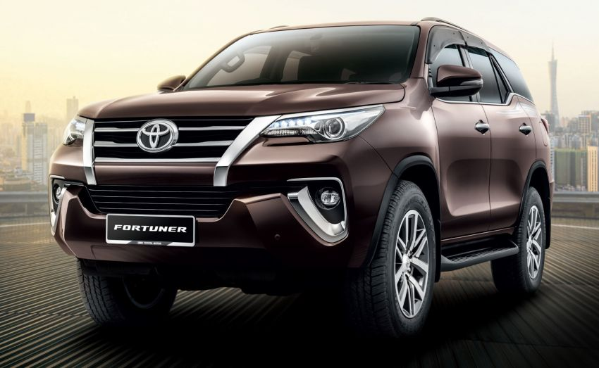 UMW Toyota upgrades infotainment system on Fortuner and Innova – 9.0-inch screen, Apple CarPlay Image #1002813