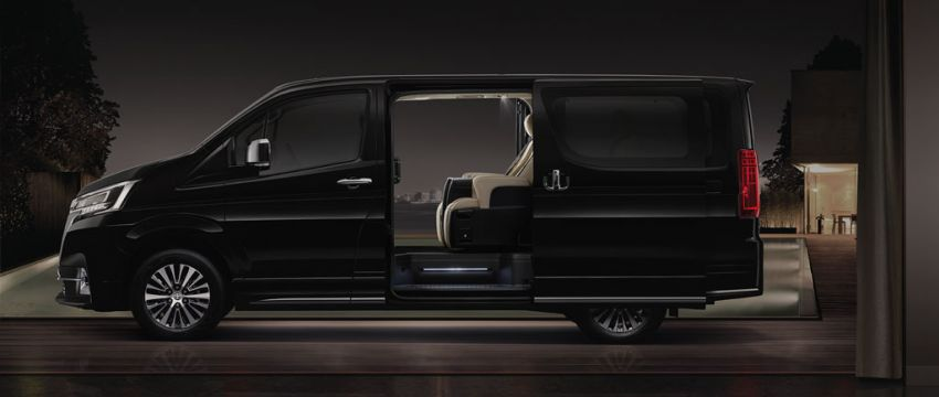 Toyota Majesty launched in Thailand, a luxe Commuter Image #1003435