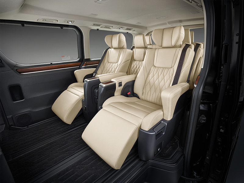 Toyota Majesty launched in Thailand, a luxe Commuter Image #1003746