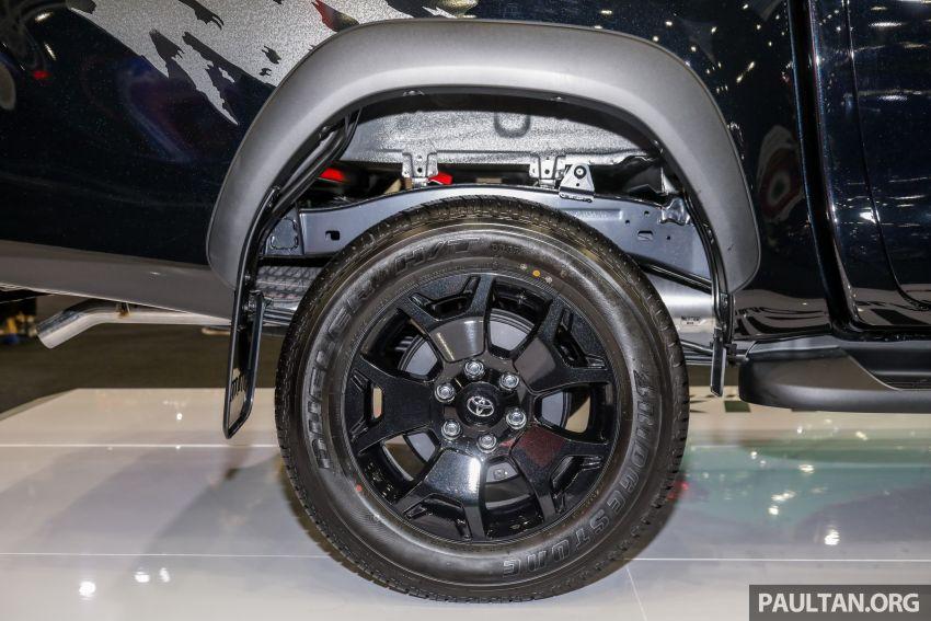Toyota Hilux 2.8 Black Edition dilancarkan – RM140k Image #1002395