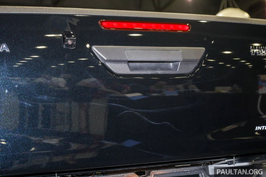 Toyota Hilux 2.8 Black Edition dilancarkan – RM140k Image #1002405