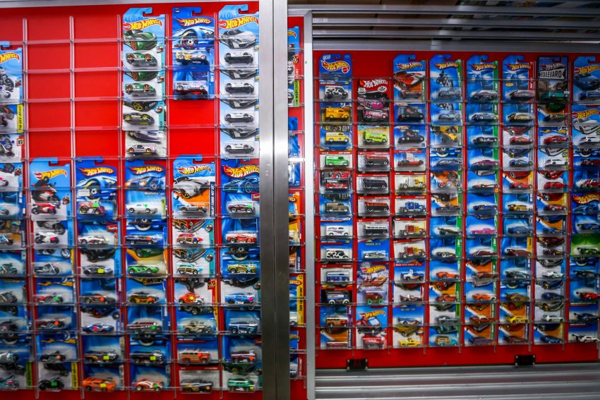 Malaysia's biggest Hot Wheels collector has over 10,000 pieces – cost RM100k, valued at RM200k-300k Image #1000709